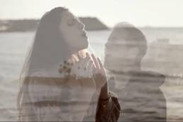 cover-cold water-by-casey breves-and-sophia patsalides-indie music-music video-usa-cyprus-music blog-wolfinasuit-wolf in a suit