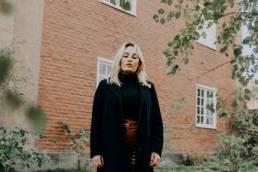new music alert - slip away - by - marlene oak - indie music - new music - indie folk - Sweden - music blog - indie blog - wolf in a suit - wolfinasuit - wolf in a suit blog - wolf in a suit music blog