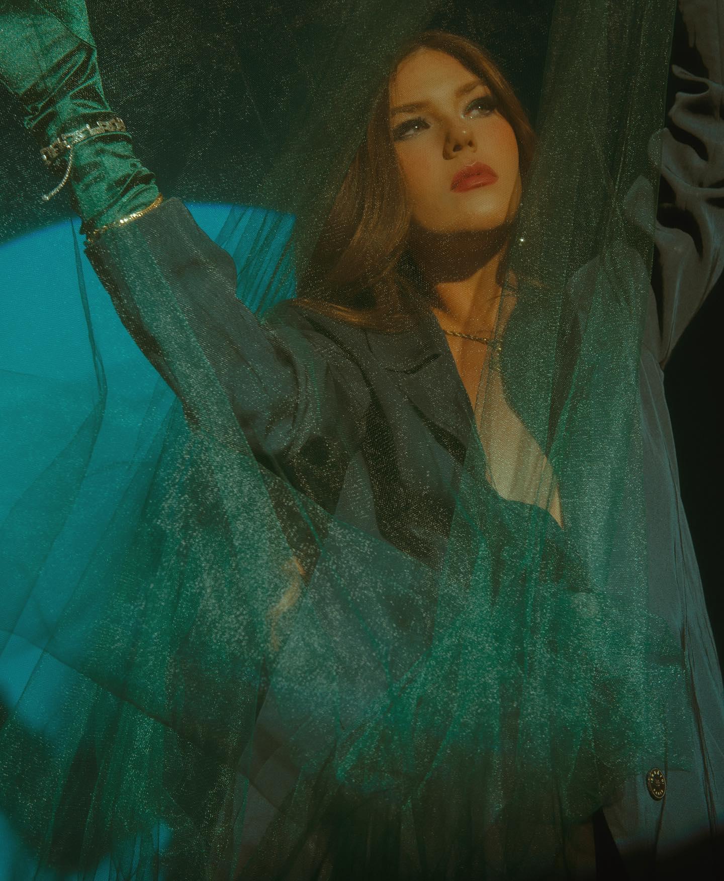 ariane - indie music - indie pop - new music - France - music blog - wolf in a suit - wolfinasuit - wolf in a suit blog - wolf in a suit music blog