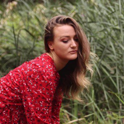 laura hyde - australia - indie - indie music - indie pop - new music - music blog - wolf in a suit - wolfinasuit - wolf in a suit blog - wolf in a suit music blog