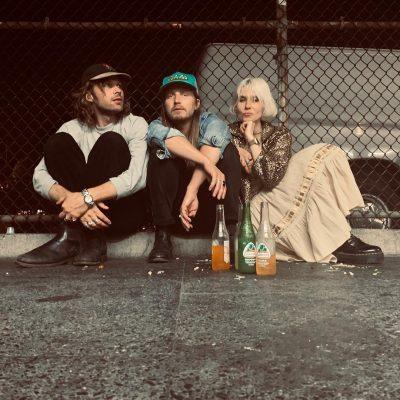 vivii - sweden - indie - indie music - indie pop - indie rock - indie folk - new music - music blog - wolf in a suit - wolfinasuit - wolf in a suit blog - wolf in a suit music blog