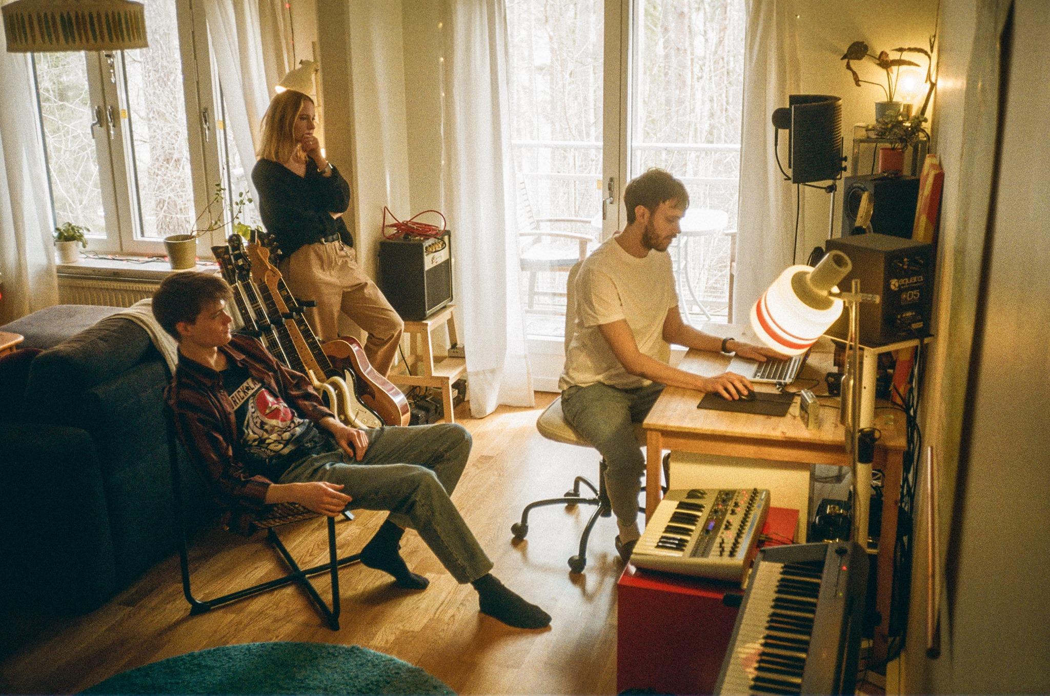 kone mara - sweden - indie - indie music - indie rock - new music - music blog - wolf in a suit - wolfinasuit - wolf in a suit blog - wolf in a suit music blog